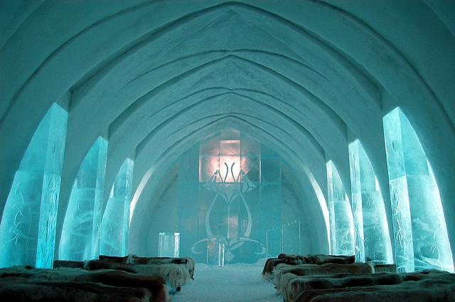 Ice_Hotel_Sweden.jpg
