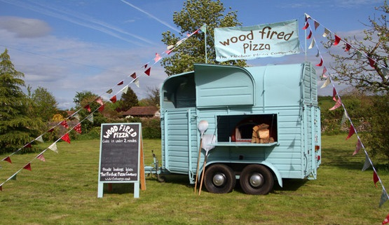 Horsebox converted into a pizza oven