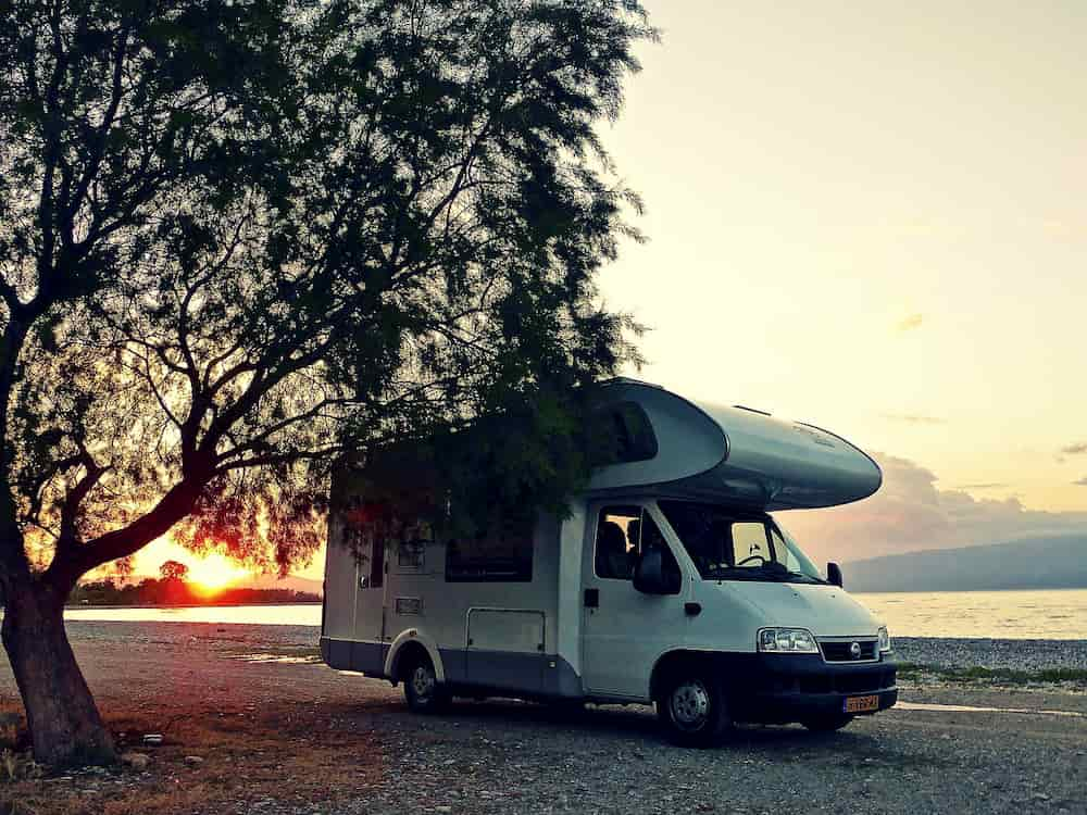 Sunset_behind_motorhome.jpg