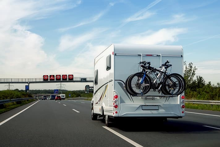 Motorhome_on_motorway.jpg